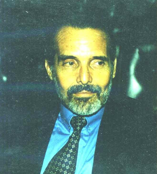 Fernando Machado da Silva Lima, advogado, corretor de imóveis, jornalista, professor aposentado de Direito Constitucional da Universidade Federal do Pará, ex-Técnico de Tributação do Ministério da Fazenda, ex-advogado do Banco Central do Brasil, mestre em Direito do Estado e professor universitário.
